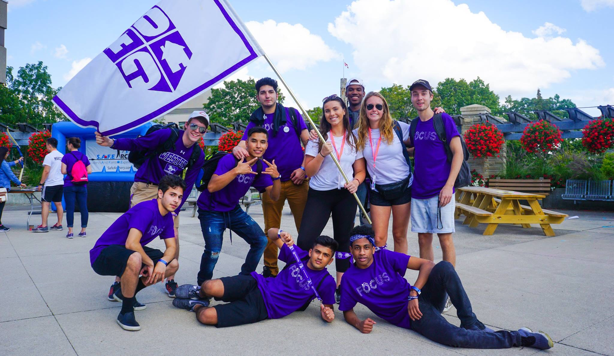 Sinh viên cũng có thể tham gia hàng loạt những hoạt động ngoại khóa đặc biệt của Western University